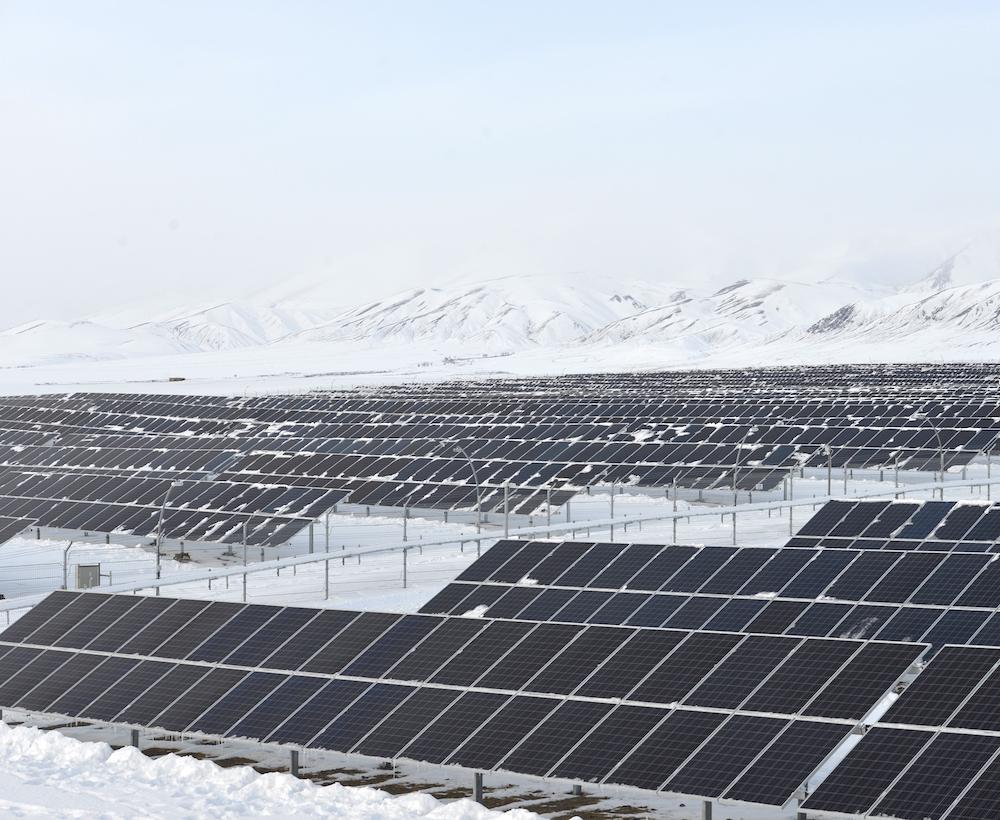 В Кош-Агаче открыли вторую солнечную станцию