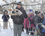 В Усть-Коксинском районе школьники помогают птицам пережить холода