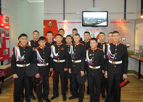 Горно-алтайские кадеты побывали на уроке мужества, который провел главком ВКС