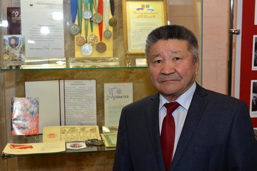Мадия Каланакова наградили орденом «Тан Чолмон»