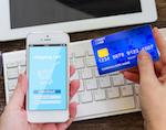 Девушка целый год оплачивала услуги чужой банковской картой