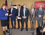 Депутаты и чиновники спели песни военных лет