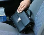 Новосибирский «гастролер» украл у экспедиторов 1,5 млн рублей