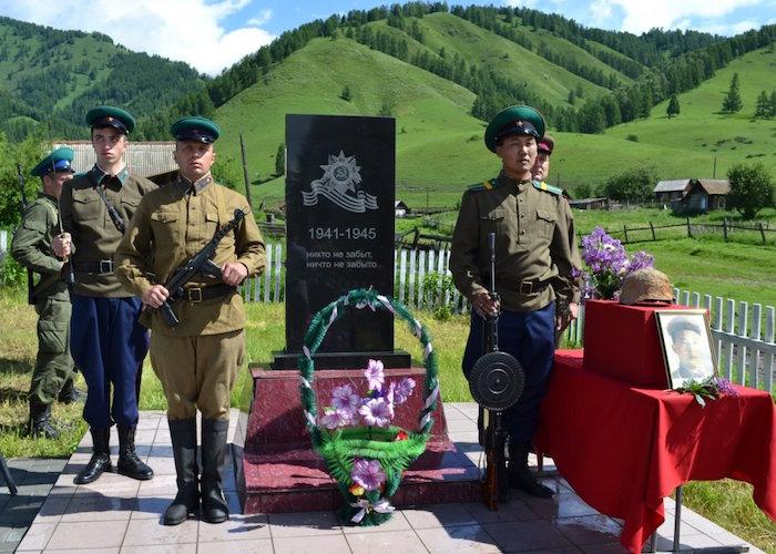 В Курунде захоронили останки Куреша Майманова, погибшего под Москвой в 1941 году