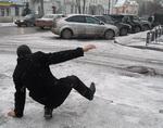 Сломавший из-за гололеда ногу житель города отсудил у коммунальщиков 85,5 тыс. рублей