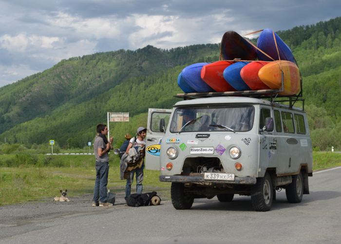 Высокий туристический сезон начался на Алтае