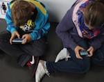 77% подростков не представляют жизнь без смартфона даже летом