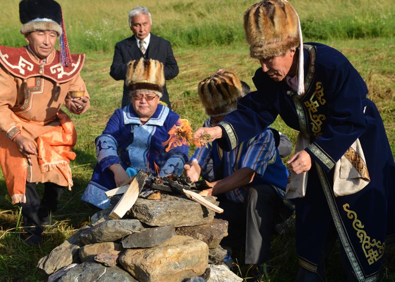 В Горно-Алтайске начали праздновать Эл Ойын