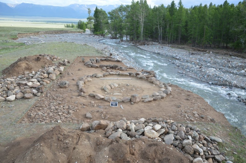http://foto.gasu.ru/index.php/category/195-arkheologicheskaya-ekspeditsiya-v-kosh-agachskij-rajon-4-31-07-2016