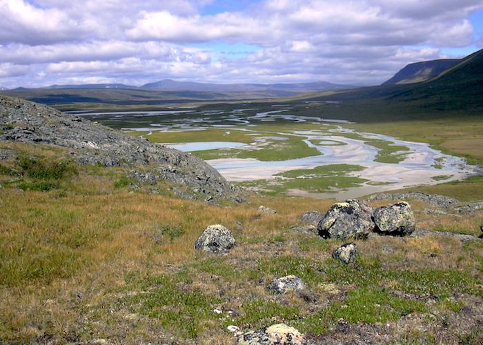 Плато Укок и Телецкое озеро оказались в списке самых мистических мест России
