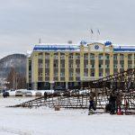 В Горно-Алтайске начали строительство новогоднего городка