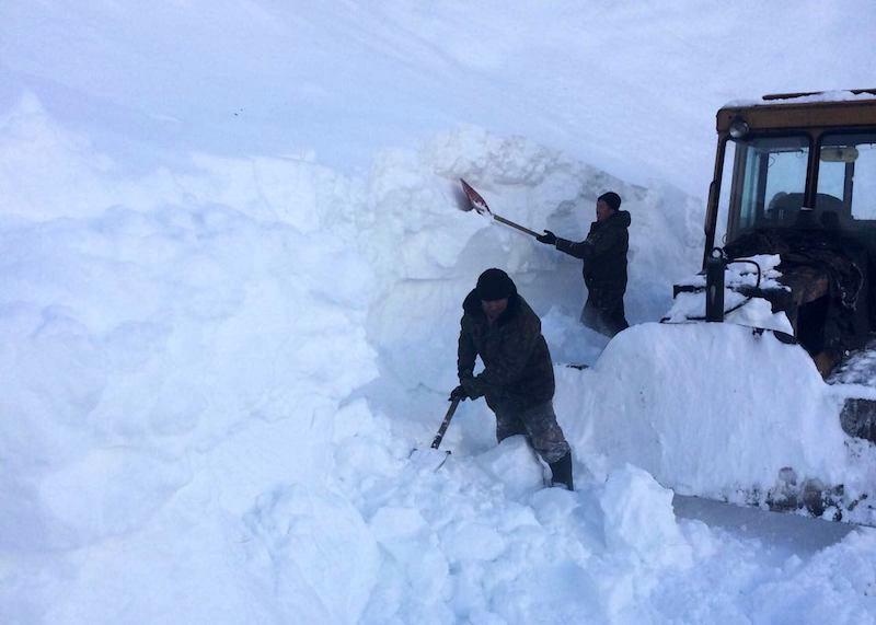 Фотофакт: Как чистят от снега перевал Кату-Ярык