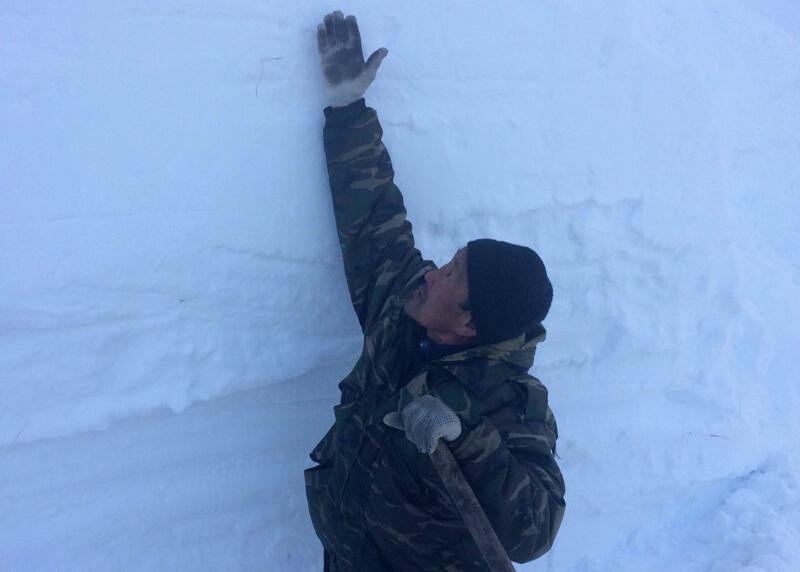 Дорожники продолжают расчистку перевала Кату-Ярык