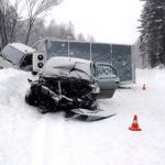 Renault попал под грузовик в Чойском районе, один человек погиб