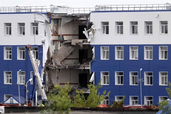 Нашествие саранчи и обрушение зданий: прогноз «Антистихии» для Горного Алтая на 2017 год