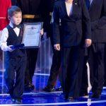 Шестилетнего героя из села Кара-Кудюр наградили за спасение тонущего малыша