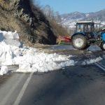 Две лавины сошли на дороги в Республике Алтай