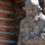 Памятник преподобному Макарию открыли в Горно-Алтайске (фото)