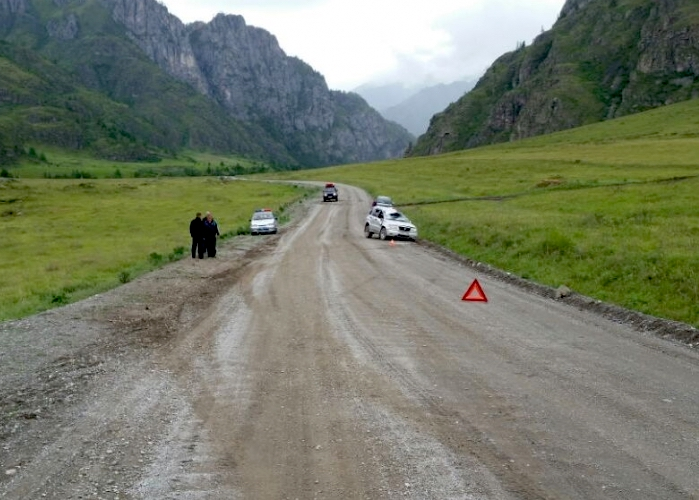 Два человека пострадали в автомобильных авариях на Алтае