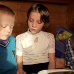 Дети-герои. Маша Комиссарова из Турочака стала победителем фестиваля «Созвездие мужества»