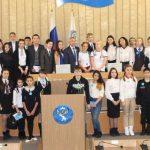 Школьники побывали на экскурсии в Эл Курултае