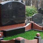 Памятники из гранита: на какие параметры обратить внимание при выборе