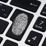 Жители Алтая почти ежедневно попадаются на уловки мошенников в интернете