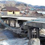 В Онгудае из-за паводка и ледохода частично разрушился мост