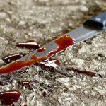 Пьяный мужчина ударил ножом прохожего, которого ошибочно принял за своего обидчика