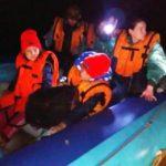 Пожарные спасли с подтопленного острова 11 туристов