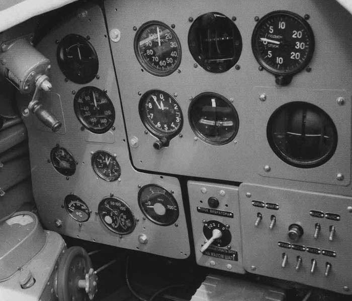 Товарищ Мунатов сутками не уходил с аэродрома и обслужил 796 боевых вылета