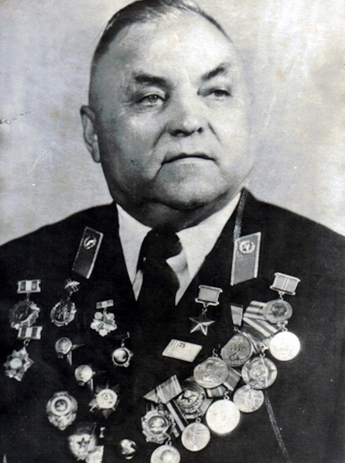 «За систематическое проявление мужества и героизм». Как лейтенант Маскаев стал Героем Советского Союза