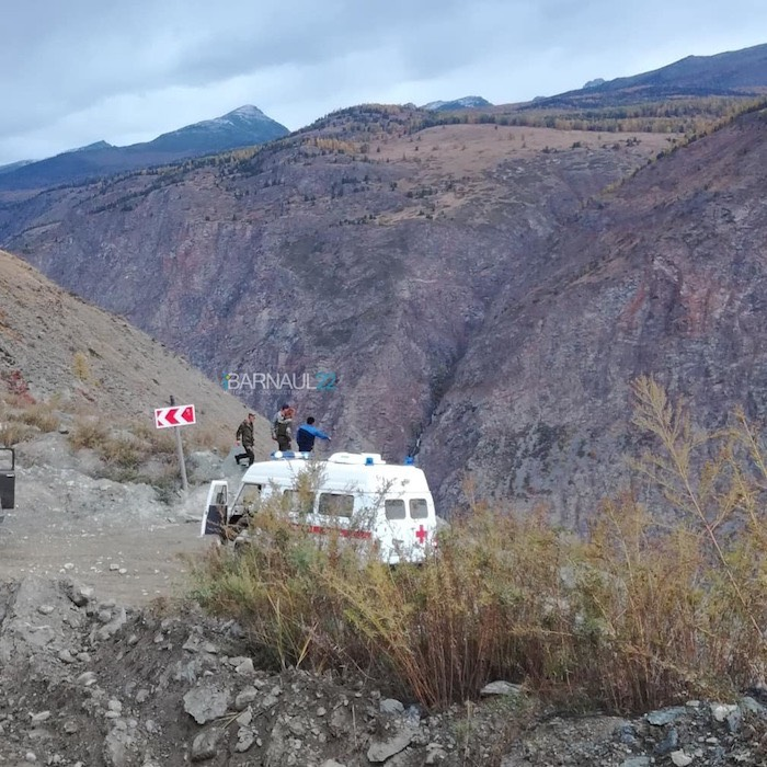 «Нива» рухнула в обрыв на перевале Кату-Ярык