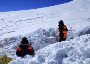 Поиски туриста на леднике Маашей